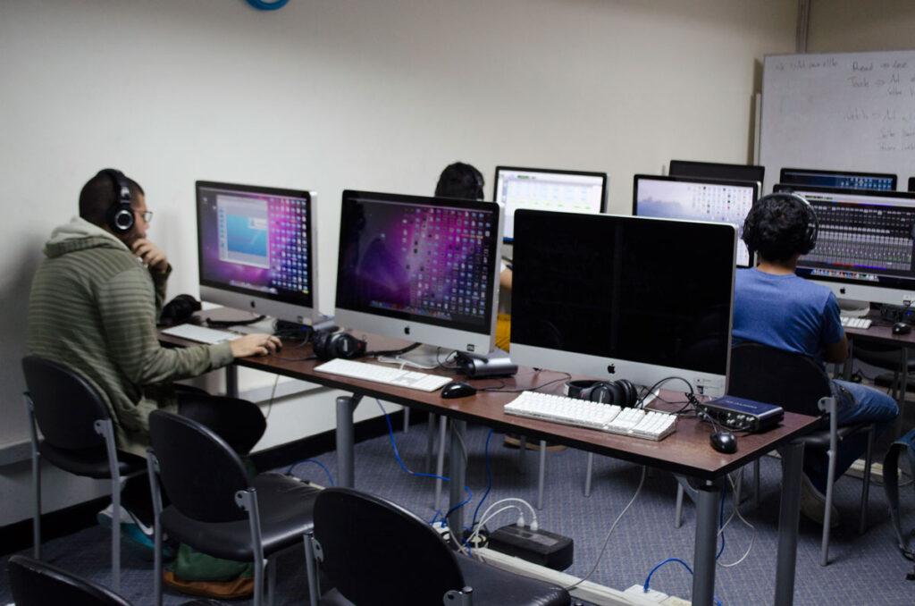 Edificio Centro Cívico: Laboratorios de medios digitales